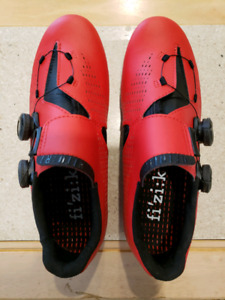 1db40f015642f Beautiful Brand New Road Cycling Shoes (Size 39) (6 3 4)