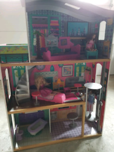 Kidkraft dollhouse with accessories