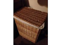 Tidy clothes basket