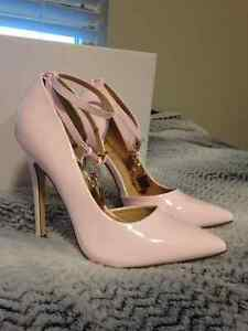 JUST FAB PINK PUMPS - TAHNEE 7.5