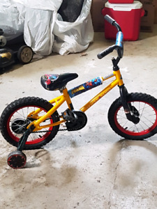 Small kids spiderman bike with training wheels