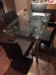Extendable Glass Table with 4 chairs