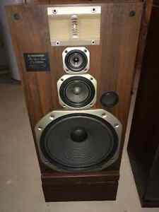Pioneer CS-E9900 Four-way speaker system Cambridge Kitchener Area image 1