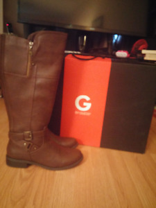 New With Box Never Worn GUESS Riding style Boots