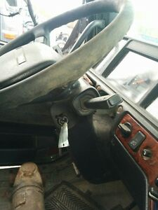 Steering column from 2001 Volvo VNL64T