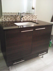 Excellent condition high end bathroom vanity