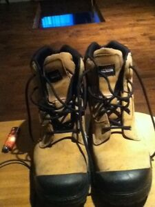 Dakota Agressor boots