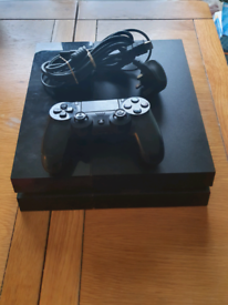 500GB PS4 console in working order