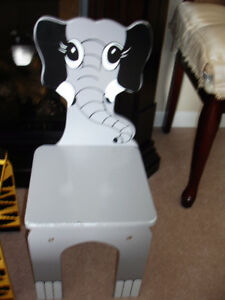 ADORABLE ELEPHANT DESIGN CHILDS WOODEN CHAIR, STURDY $15.