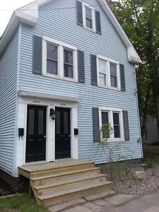 Spacious 3 Bedroom Located Downtown