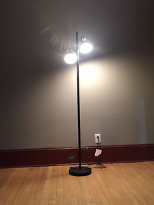 Two-headed Floor Lamp (with light bulbs)