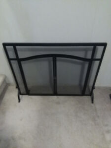 FOR SALE - ARCHED TOP CLASSIC FIRE PLACE SCREEN WITH DOORS