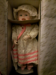 """Yolanda's Picture Perfect Babies """"Sarah"""" Collector's  Doll"""
