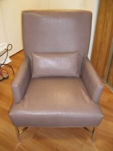 FAUX LEATHER BROWN CHAIR IN MINT CONDITION
