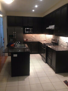 ******House Rent 4 Rooms In Brampton*******