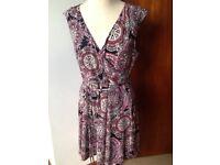 Billie & Blossom stretch dress size 18