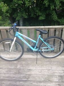 Women's Medium Huffy Mountain Bike