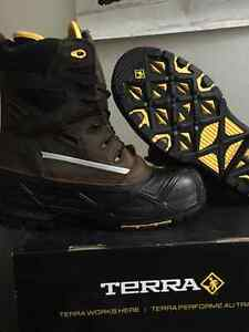 BRAND NEW! WINTER SAFETY BOOTS!!!