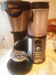 NINJI COFFEE MAKER, GREAT SHAPE ONLY ASKING $50.