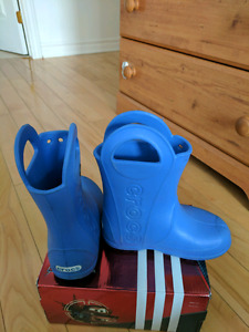 Crocs rain boots - as new - size 11