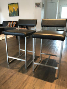 Two  StyleGarage Graph Bar Stools