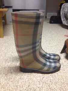 Burberry boots London Ontario image 1