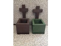 Small cross planter