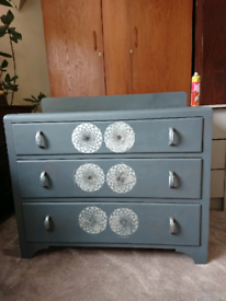 Vintage wooden painted solid & sturdy chest of drawers