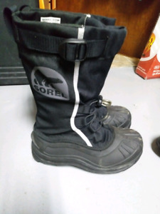 Youth size 5 SOREL WINTER BOOTS EXCELLENT CONDITION $50