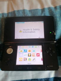 Nintendo 3DS with 15 games