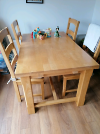 Kitchen table with 4 chairs included