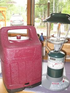Coleman 2-mantle Propane Lantern with Carry Case