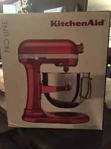 Kitchenaid pro line 7 quart mixer-Brand New in the Box Windsor Region Ontario image 1