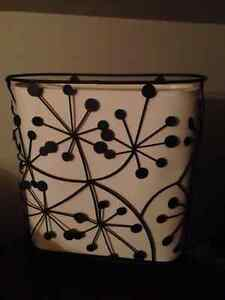 Decorative Whimiscal Lamp and Shade...attractive for any room... London Ontario image 4