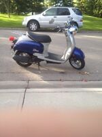 50cc 2005 YAMAHA VINO  OBO *moped for sale*