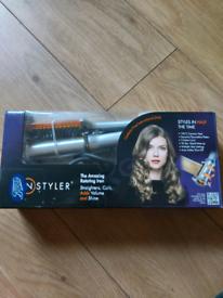 New instyler hair curler/ straightener