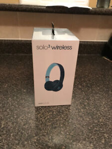 BRAND NEW DR. DRE SOLO 3 WIRELESS HEADSETS FOR SALE !