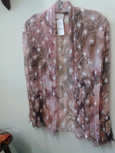 Linda Lundstom 100% silk top size medium