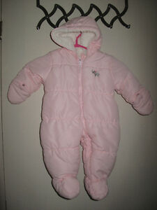 Baby Snow Suit 6-9 Months Gatineau Ottawa / Gatineau Area image 1