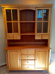 Buffet and Hutch Set in Great Condition