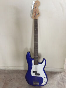 Fender Squier P Bass Affinity Series BLUE.