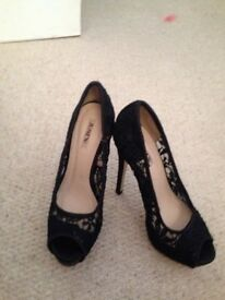 Shoes size 4 never worn