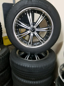 Like new Set of 4 all season tires 235/55/19 MICHELIN