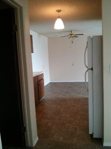 Spacious & Bright 2 BDRMS Available in St.Albert