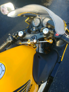 Clean Cbr 600 f4 in amazing shape needs nothing
