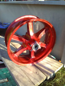 Roue arriere Buell rouge