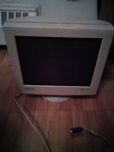 """Make me an offer: 17"""" CRT Monitor (Samsung SyncMaster 753DF)"""