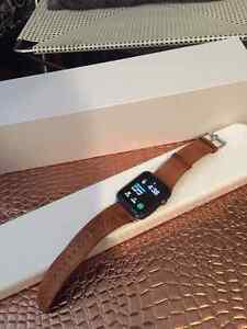 Apple Watch 42mm Space Grey with Box, Leather & Bond NATO Strap.