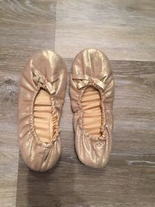 SZ 6 BALLET TYPE SHOES-WORN ONCE