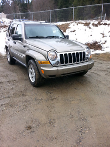 06 jeep liberty, 134kms, limited package. Clean suv